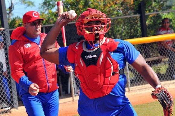 Entrenamiento del equipo Ciego de Ávila para enfrentar a partir de este martes la Serie del Caribe.  (Foto: Ricardo López)