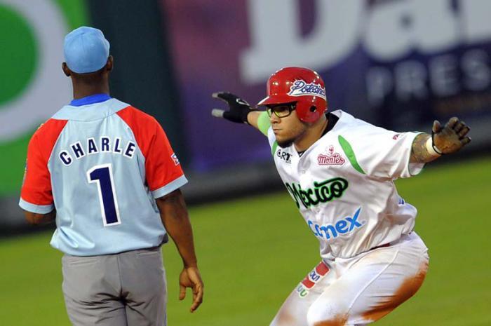 El mexicano Valle impulsó a cinco compañeros con par de biangulares. (Foto Ricardo López Hevia)