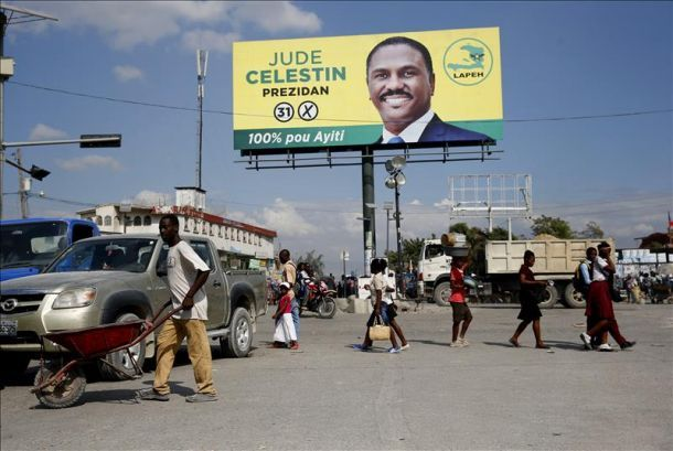 Haití atraviesa por una crisis política desde que el candidato opositor Jude Celestin acusó a las autoridades de haber cometido fraude electoral a favor de su rival oficialista. (Foto EFE)