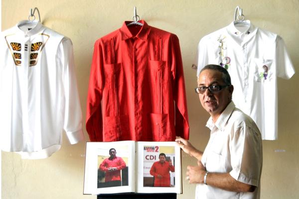 La única colección de guayaberas que existe en Cuba reúne 200 piezas.