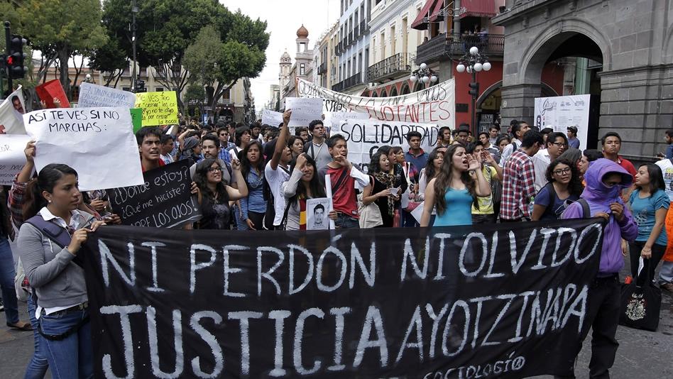 Las protestas por la desaparición de los estudiantes no se han detenido en México. (Foto: Internet)