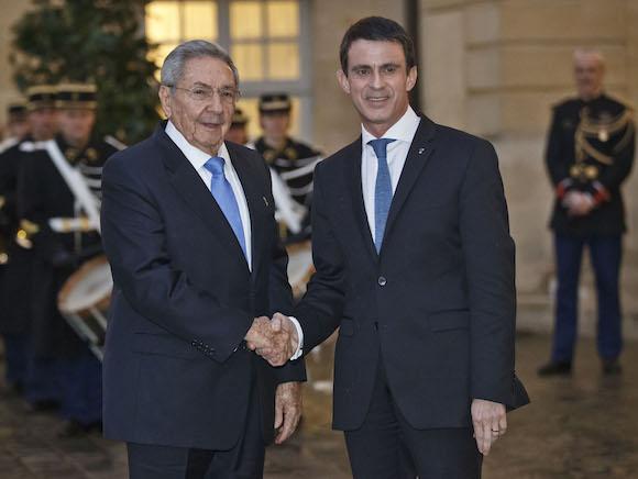 Con el Primer Ministro francés, Manuel Valls. (Foto: AP)
