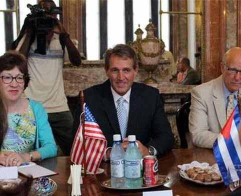 Jeff Flake aboga por una nueva era de entendimiento entre La Habana y Washington.
