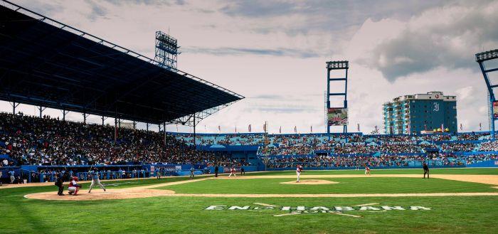 Partido amistoso de béisbol entre la selección de Cuba y el equipo Tampa Bay Rays, de las Grandes Ligas de Estados Unidos (MLB por sus siglas en inglés), en el Estadio Latinoamericano, en La Habana, Cuba, el 22 de marzo de 2016. ACN FOTO/Marcelino VÁZQUEZ HERNÁNDEZ/ogm