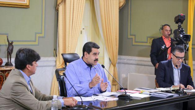 Desde el Palacio de Miraflores, Maduro encabezó la activación del sector automotriz en el eje industrial de la Agenda Económica Bolivariana. (Foto AVN)