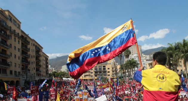 Maduro llamó a todos los venezolanos a convertirse en los nuevos libertadores de la patria. (Foto Prensa Presidencial)