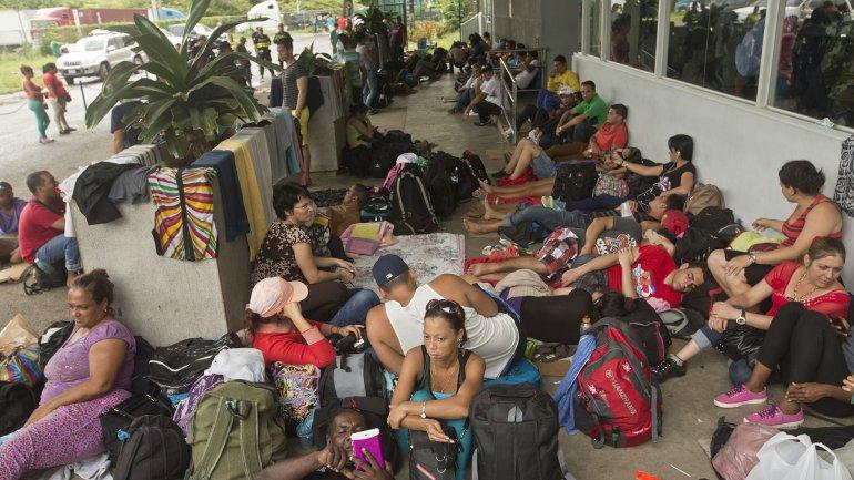 Cuatro mil 300 cubanos abandonaron suelo costarricense desde enero pasado.