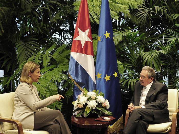 Raúl recibió este viernes a la excelentísima señora Federica Mogherini. (Foto: Estudios Revolución)