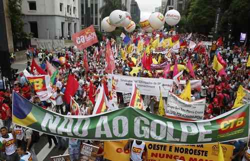 En Brasil crece el rechazo al intento de golpe contra Dilma Rousseff.