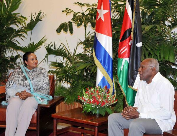 Salvador Valdés  sostuvo conversaciones  con Amina C. Mohamed, Ministra de Relaciones Exteriores y Comercio Internacional de la República de Kenya. (Foto ACN)