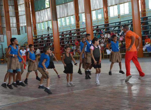 Transmitir y generalizar experiencias positivas entre docentes de toda la Isla constituye el objetivo principal de la cita. (Foto ACN)