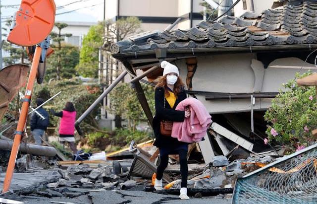 Dos terremotos de magnitud superior a 7.2 en la escala abierta de Richter devastaron varias ciudades y poblados del sureste de Japón.