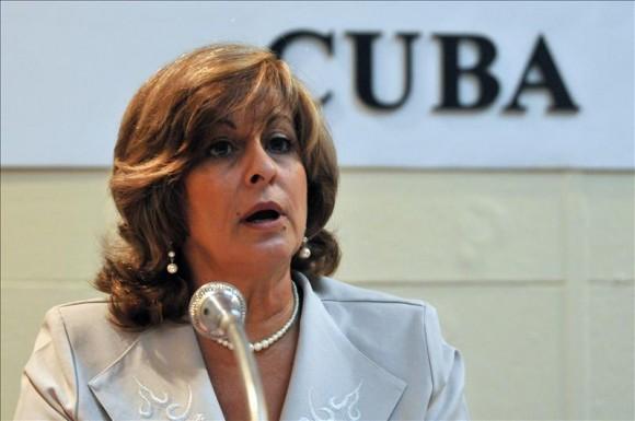 La minstra cubana ratificó la voluntad de su país de trabajar a favor de sociedades libres de drogas.