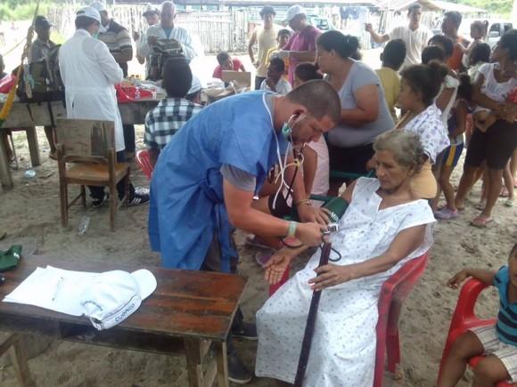 La ayuda médica cubana se hizo presente de inmediato luego del terremoto.