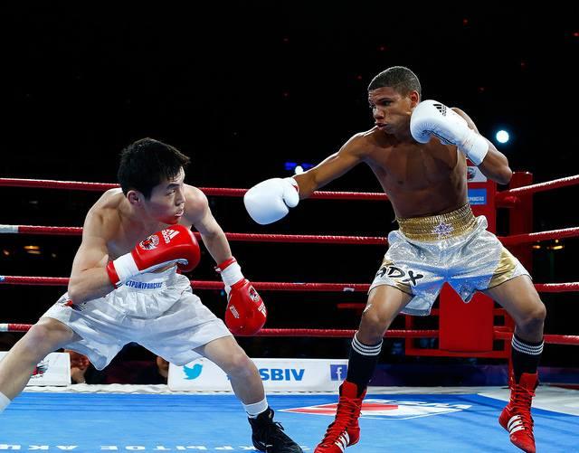 Veitía volvió a imponer su clase en la Serie Mundial de Boxeo.