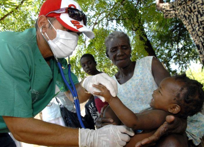 Los colaboradores cubanos han llegado a regiones donde en algunas jamás sus habitantes habían sido asistidos por un médico.