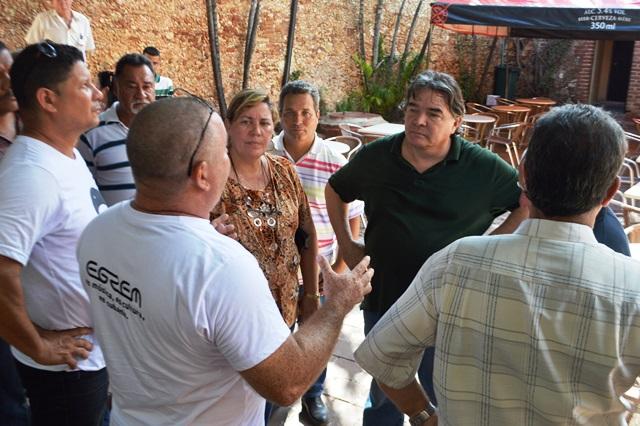 El titular de Cultura destacó los esfuerzos multisectoriales como esencial para logar impulsar la ejecución de las obras. (Foto Carlos Luis Sotolongo / Escambray)