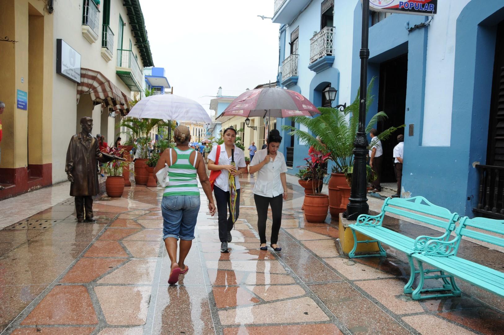 Las lluvias ocurrieron como resultado del calentamiento del día. (Foto: Vicente Brito/ Escambray)