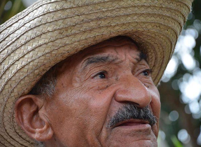 sancti spiritus, abundio sanchez, heroe del trabajo de la republica de cuba, mesa redonda, agricultura, plan turquino