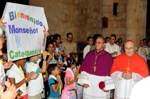 Toma de posesió del nuevo arzobispo de la arquidiocesis de San Critobal de la Habana por el moseñor Juan de la Caridad Garcia Rodriguez.