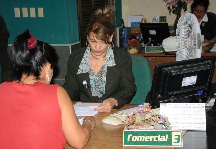 La mayoría de los espirituanos saldan puntualmente el pago de los préstamos recibidos en el Banco. (Foto: Vicente Brito/Escambray)