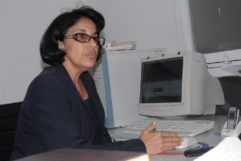 Acelia María González Lorenzo, jefa del departamento que atiende la telefonía móvil en la provincia.