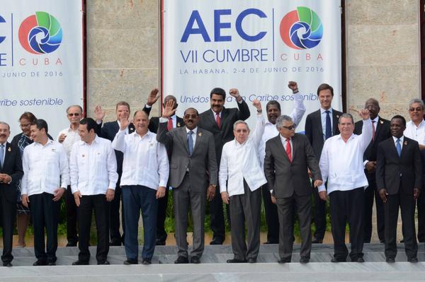 Foto Oficial de la VII Cumbre de Jefes de Estado y/o Gobierno de la Asociación de Estados del Caribe (AEC), en el Palacio dela Revolución, en La Habana, Cuba, el 4 de junio de 2016. ACN FOTO POOL/ ACN FOTO/Arelys María ECHEVARRÍA RODRÍGUEZ/sdl