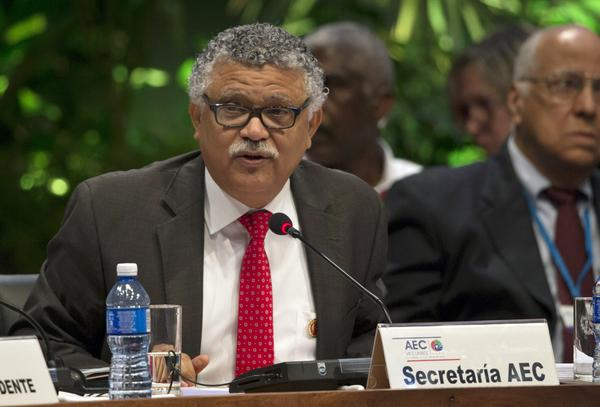Alfonso Múnera, Secretario General de la Asociación de Estados del Caribe (AEC), interviene en la VII Cumbre de Jefes de Estado y/o Gobierno de la AEC, en el Palacio de la Revolución, en La Habana, el 4 de junio de 2016. ACN FOTO POOL/Ismael Francisco GONZÁLEZ/Cubadebate/sdl