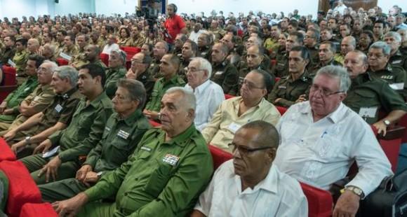CUBA-LA-HABANA-PRESIDE-RAÚL-CASTRO-ACTO-POR-ANIVERSARIO-55-DEL-MINISTERIO-DEL-INTERIOR7-580x310