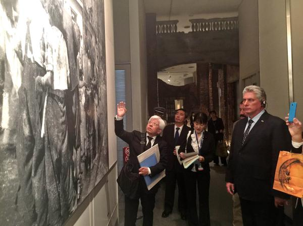 Díaz-Canel visitó el Museo de la Bomba Atómica, en Hiroshima. (Foto: ACN)