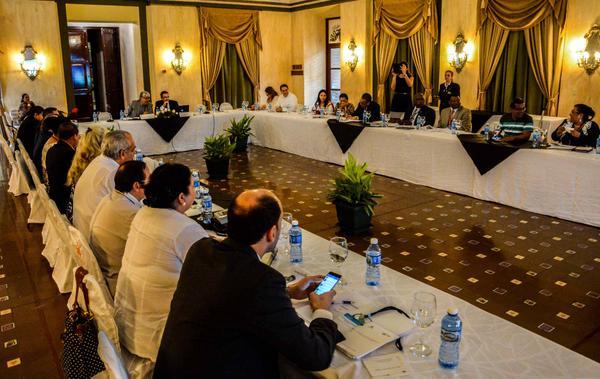 Participantes en la reunión de trabajo de la  comisión de Salud, del Parlatino. (Foto ACN)
