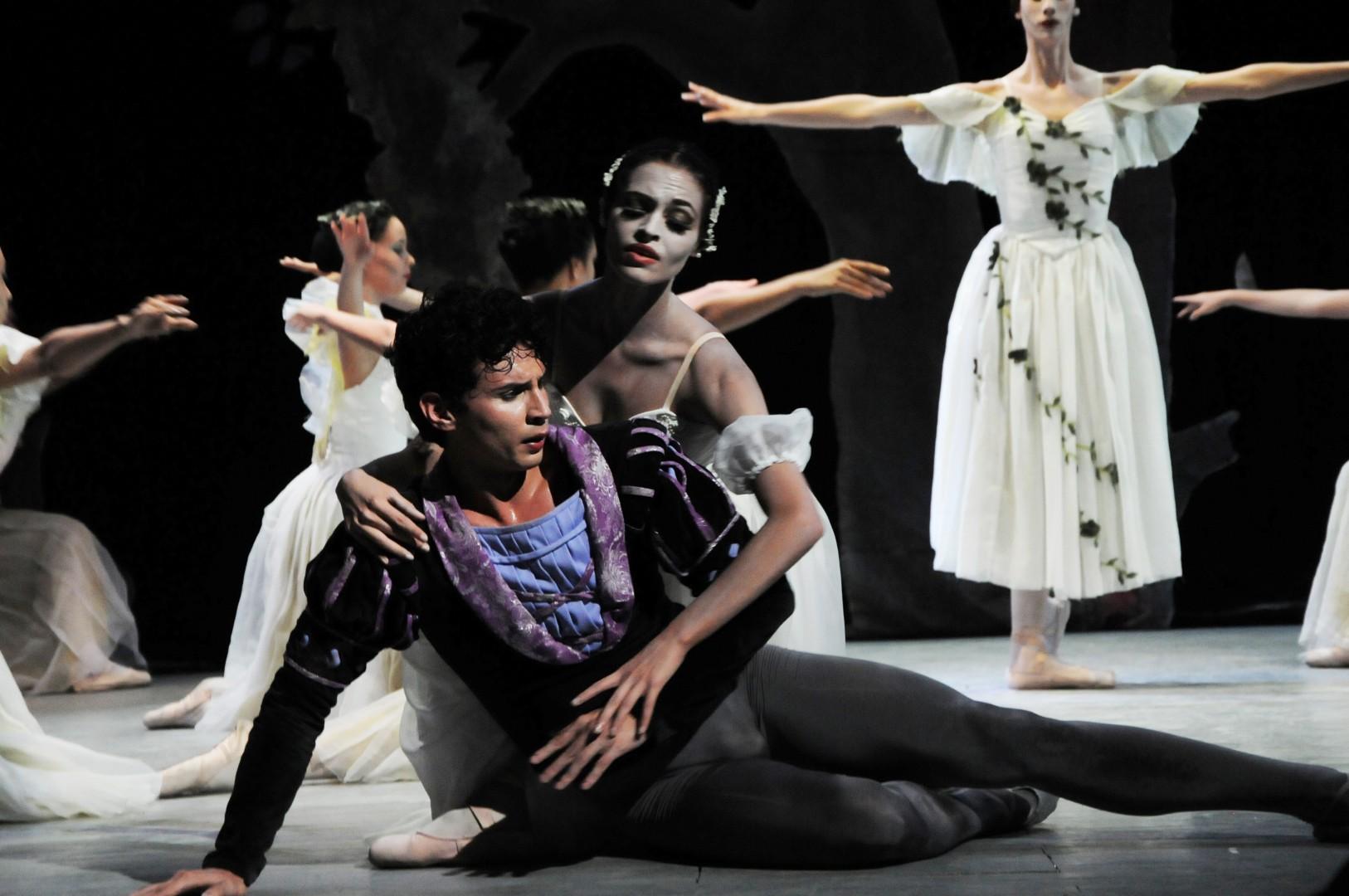 Por segunda ocasión el Ballet de Camagüey actúa en Sancti Spíritus. (Foto: Vicente Brito/ Escambray)