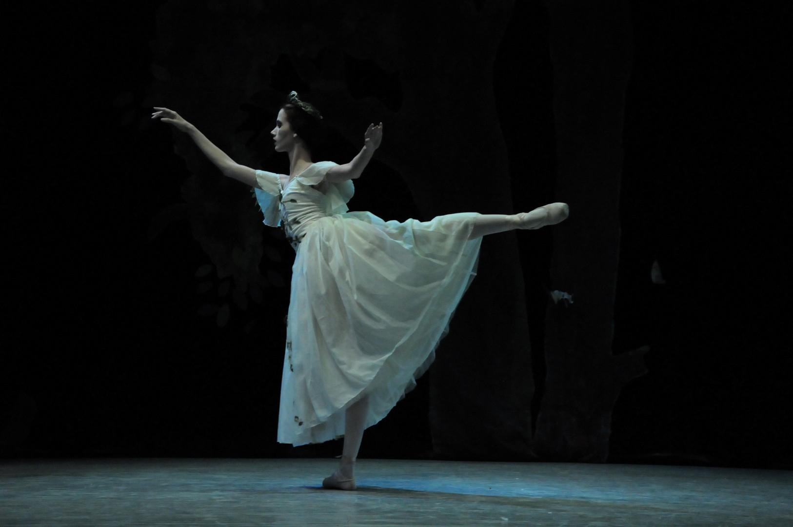 La compañía camagüeyana es la única de ballet clásico que ha actuado en el Teatro Principal. (Foto: Vicente Brito/ Escambray)