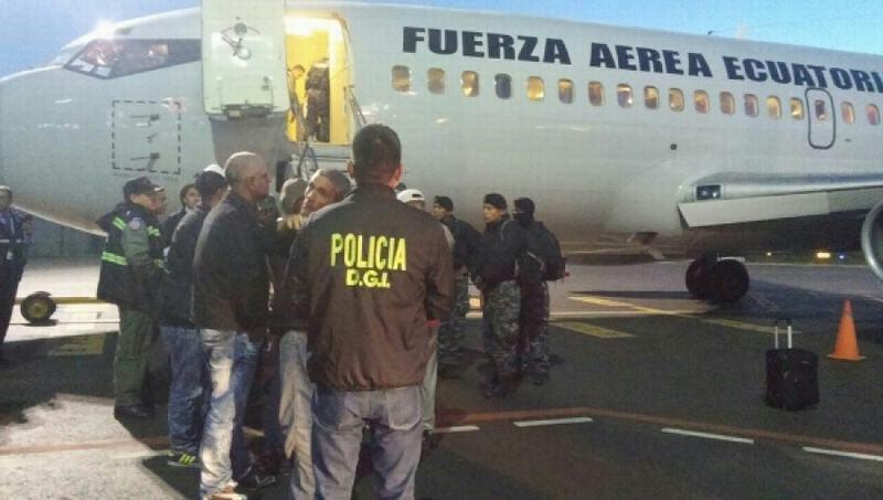 En julio 75 migrantes cubanos fueron deportados por no justificar su permanencia legal en Ecuador.