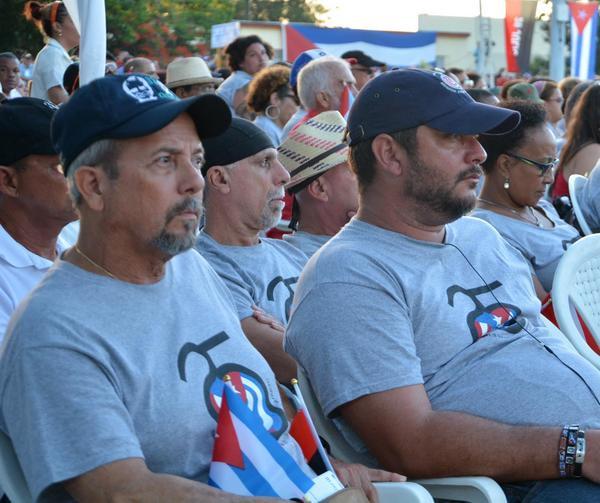 Integrantes de la brigada Juan Rius Rivera en el acto por el 26 en Sancti Spíritus. (Foto: ACN)