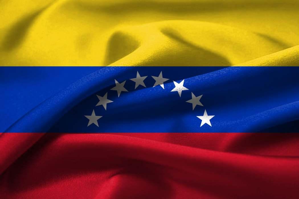 El gobierno venezolano confirma su decisión de dialogar para lograr la paz.