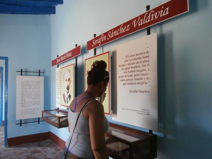 Los avileños han incluido visitas a museos que coleccionan la historia de Sancti Spíritus. (Foto: Lisandra Gómez)