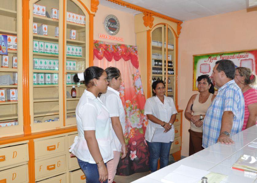 En Tuinucú quedó remozada la farmacia con notables mejoras en su infraestructura. (Foto: Vicente Brito/ Escambray)