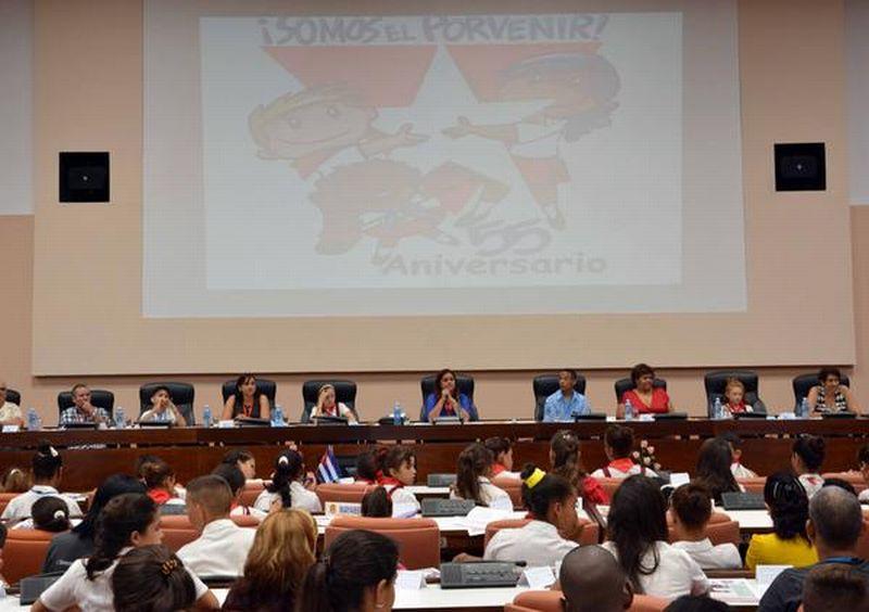 Sesión plenaria y final de la Asamblea Nacional Pioneril, en el Palacio de las Convenciones. (Foto: ACN)