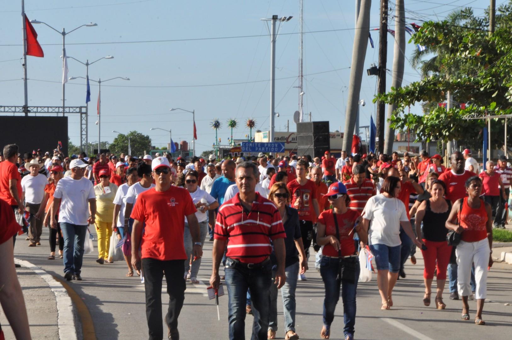La repercusión del acto ya está en la calle en voz del pueblo espirituano. (Foto: Reidel Gallo/ Escambray)