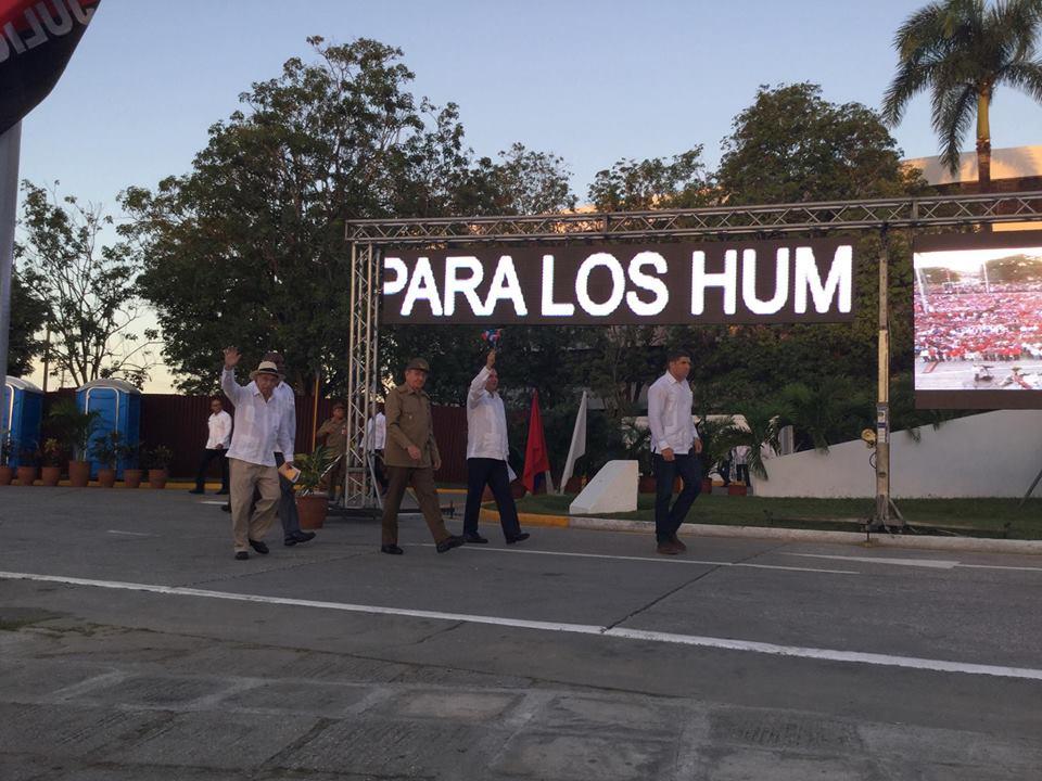 El General de Ejército Raúl Castro llega a la plaza de Sancti Spíritus. (Foto: Marlys Rodríguez/ Escambray)