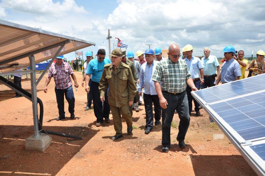 ramiro recorre areas del parque fotovoltaico