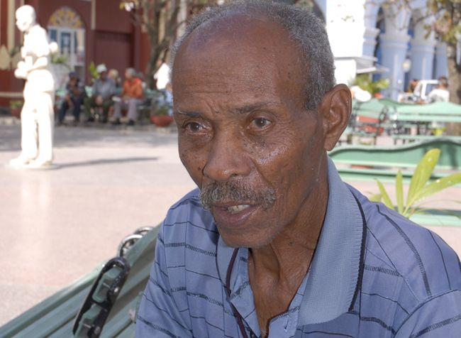 Gerardo Echemendía Madrigal (Serapio), el popular músico espirituano, fallecido en 2011. (Foto: Vicente Brito/ Escambray)