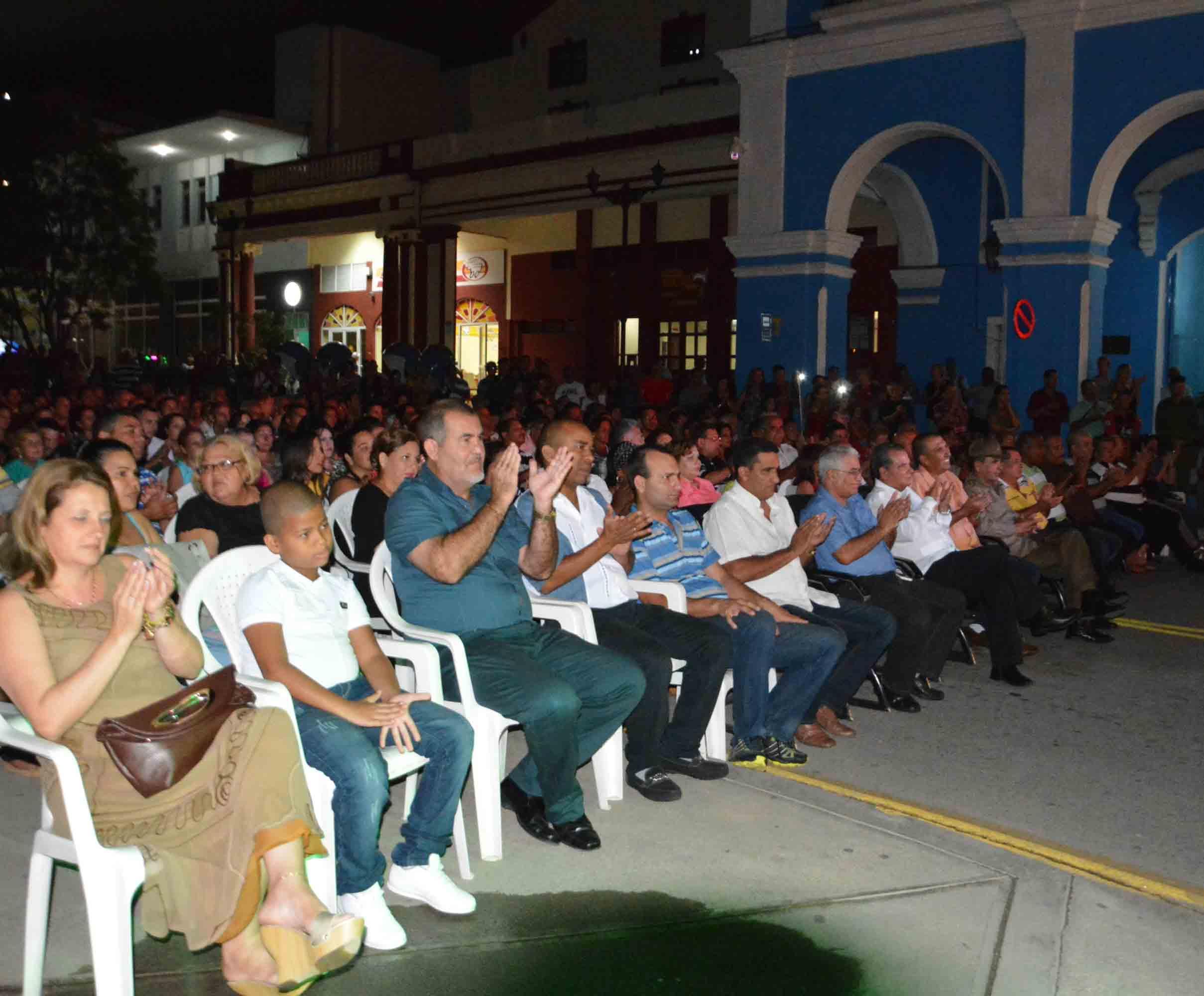 Escenas de la cantata por el 90 cumpleaños de Fidel en Sancti Spíritus.