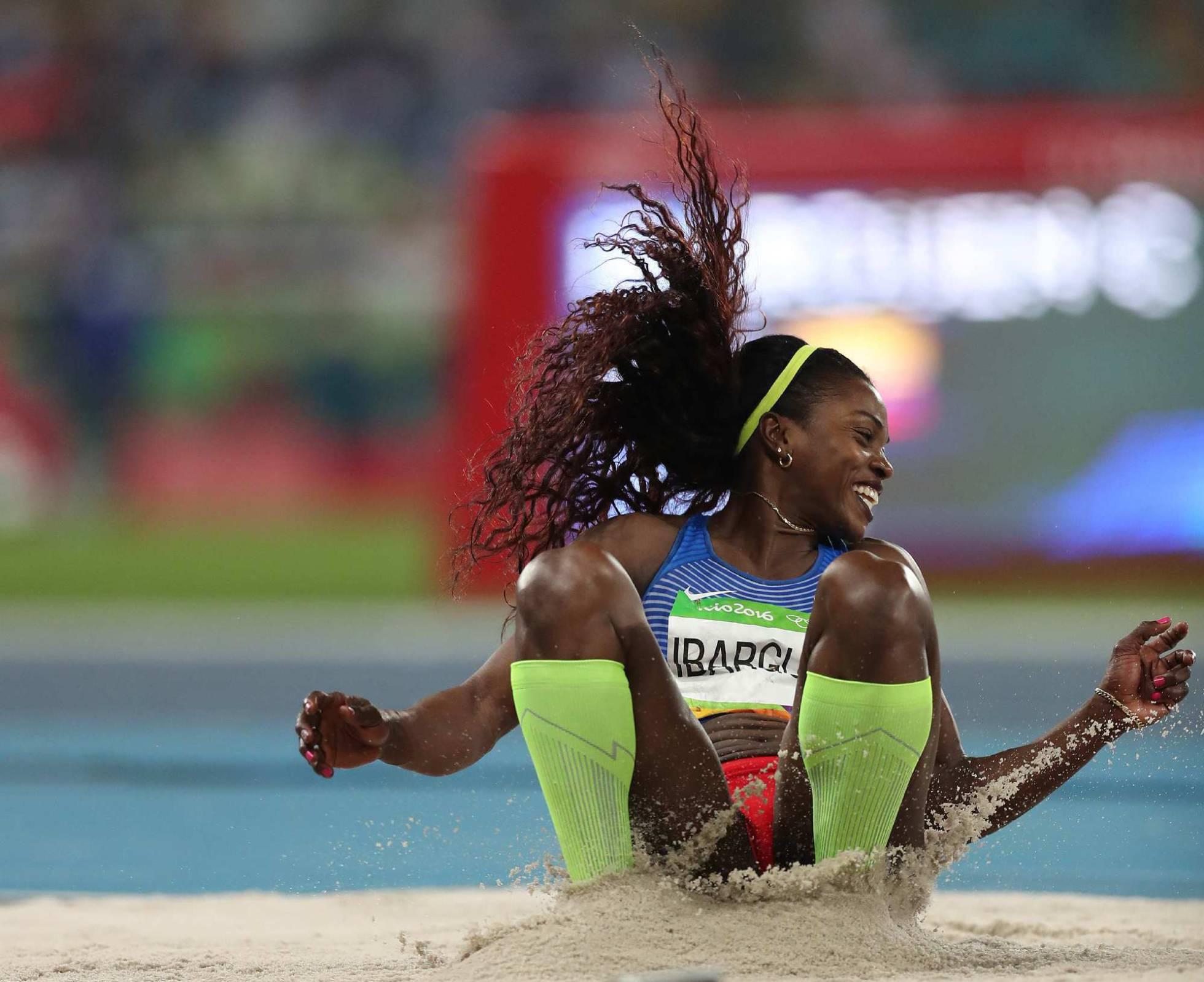 Caterine Ibargüen logra la medalla de oro en triple salto.