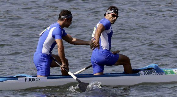 Serguey Torres y Fernando Dayan Jorge lograron la mejor actuación del canotaje cubano en Río. (Foto AP)