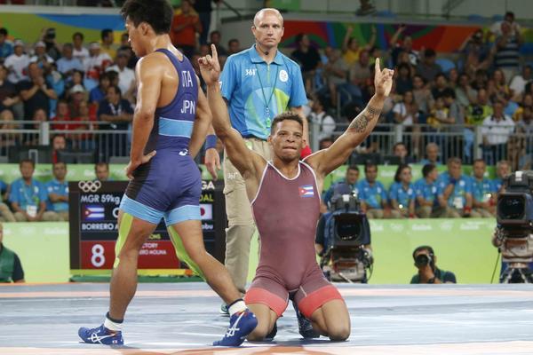 Borrero se tituló al derrotar al japonés Shinobu Ota. (Foto: ACN)