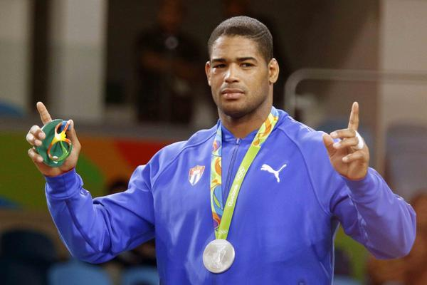 Yasmany Lugo, ganador de la medalla de Plata en la categoría de 98 Kg. de la Lucha Grecorromana. (Foto: ACN)
