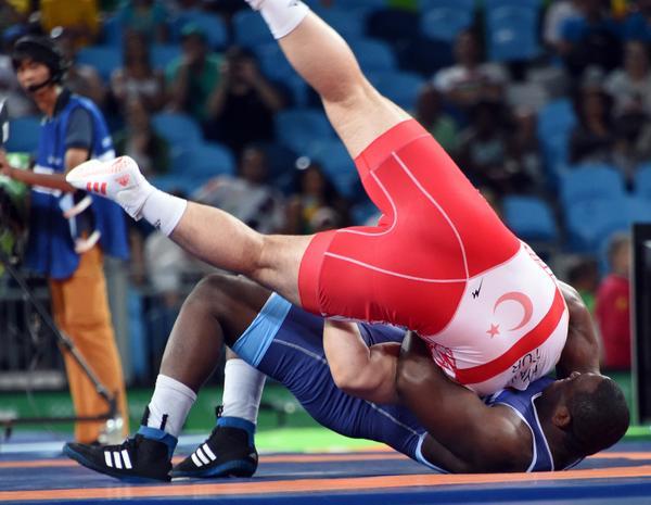 Mijaín durante el combate en el que ganó al turco Riza Kayaalp. (Foto: ACN)