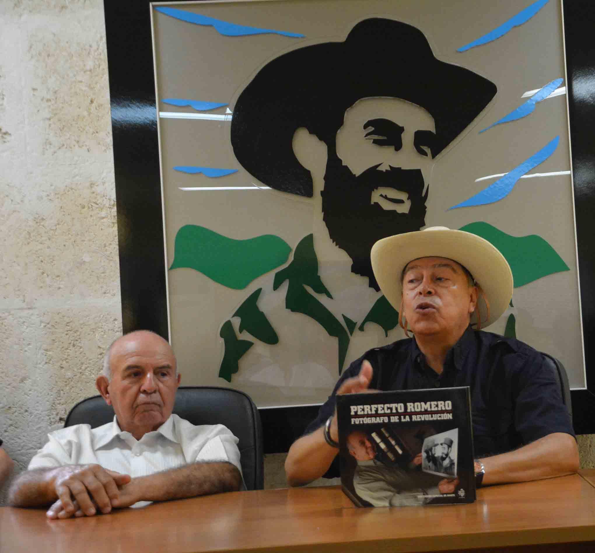Junto al documental, fue presentado un libro también dedicado a Perfecto Romero. (Foto: Oscar Alfonso)